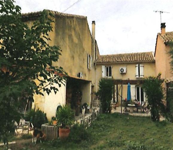 Ventes aux enchères: Maison d'habitation à Lapalud (84840)
